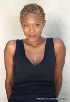 Shelley Robertson  é uma das atrizes convidadas do episódio 10x07, como a Detetive Dawn Rosenberg.